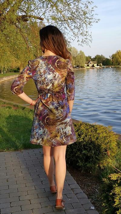 efektowna sukienka na lato z bawełny
