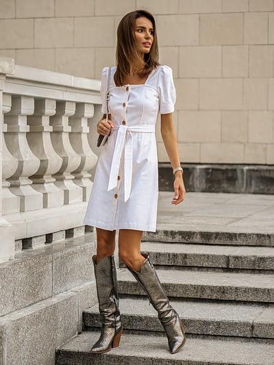 biała sukienka z lnu z kwadratowym dekoltem