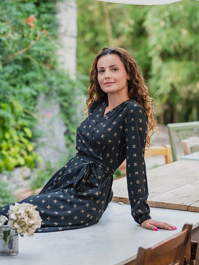 Elegancka wiązana sukienka kopertowa - MEDIOLAN