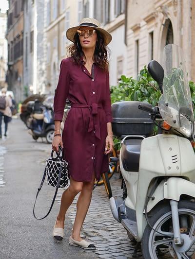 bordowa klasyczna sukienka koszulowa z tencelu