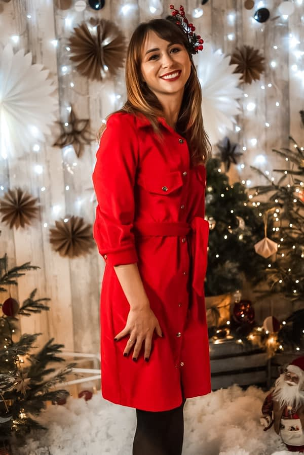 czerwona sukienka koszulowa na swieta