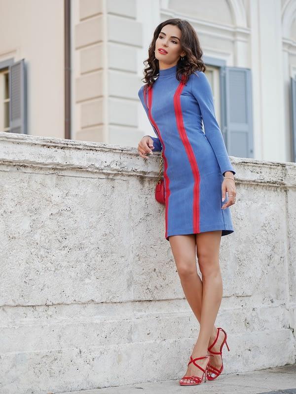 niebieska elastyczna sukienka tuba z tencelu i bawełny
