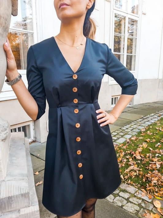 klasyczna sukienka z wełny